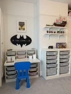 Kinderzimmer Trofast Hack, Lego desk, storage and shelves, Batman - Lego Desk, Lego Room, Big Boy Bedrooms, Kids Bedroom, Ikea Kids Desk, Trofast Ikea, Jugendschlafzimmer Designs, Kids Play Spaces, Teen Bedroom Designs