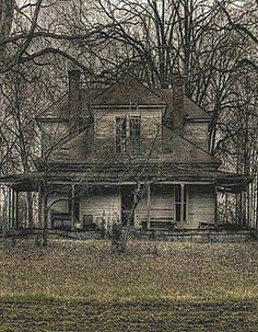 abandoned, Major Cool Old Farm House.Would Love To See It For Real Abandoned Buildings, Abandoned Farm Houses, Abandoned Property, Old Farm Houses, Abandoned Castles, Old Buildings, Abandoned Places, Vintage Houses, Spooky Places