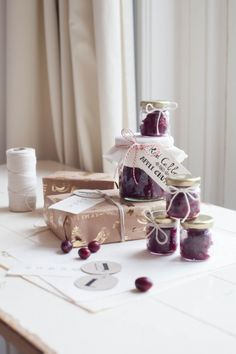 Merry Christmas, Gift Wrapping Inspiration The World's Best Chutney Christmas Gift Wrapping, Christmas Presents, Merry Christmas, Apple Chutney, Most Favorite, Red Cabbage, Wraps, Favorite Recipes, Pretty
