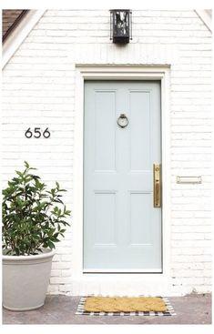Door Paint Colors, Front Door Colors, Exterior Paint Colors, Paint Colors For Home, Pintura Exterior, Best Front Doors, Decoration Chic, Entrance Decor, Tiny Houses