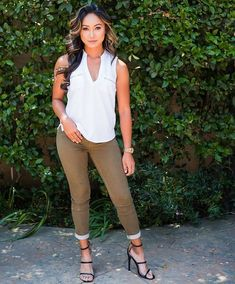 is radiant in the Mishell Curvy Denim Capris from G by guess Curvy Fit, New Wardrobe, Thighs, Capri Pants, Fitness, Fashion, Moda, Capri Trousers