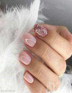 Looking for easy nail art ideas for short nails? Look no further here are are quick and easy nail art ideas for short nails. Glitter Gel Nails, Gel Nail Art, My Nails, Nail Polish, Pink Shellac Nails, Glitter Pedicure, Gel Pedicure, Pink Manicure, Gel Nail Colors
