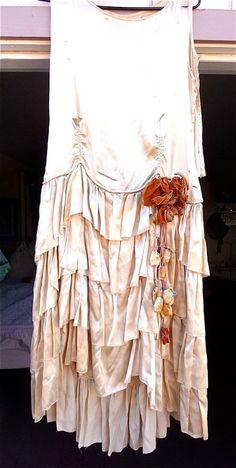 Antique 1920s Vintage Flapper Wedding Dress Ivory Silk Ruffles Large Velvet Floral Cascade