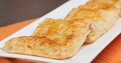 نقدم لك سيدتي من موقع اطيب طبخة طريقة عمل فطائر البف باستري بالتفاح. وصفة لذيذة سهلة وسريعة التحضير، جربيها وزيني بها سفرة العزومات لديك.