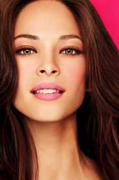 La actriz canadiense Kristin Kreuk, protagonista de la serie 'Beauty and the Beast'