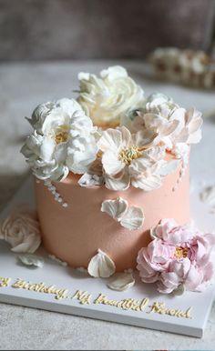 Elegant Birthday Cakes, Beautiful Birthday Cakes, Gorgeous Cakes, Pretty Cakes, Buttercream Cake Decorating, Buttercream Cake Designs, Buttercream Flower Cake, Creative Cake Decorating, Cake Decorating Designs