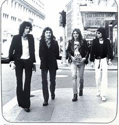 Brian May, John Deacon, Freddie Mercury, Roger Taylor, Queen Photos, You're Hot, Joan Jett, Adam Lambert, Great Bands