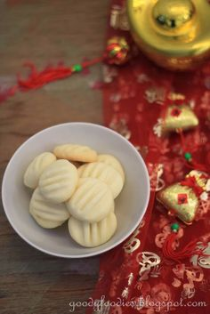 GoodyFoodies: Recipe: Melt-in-the-mouth German cookies (CNY)