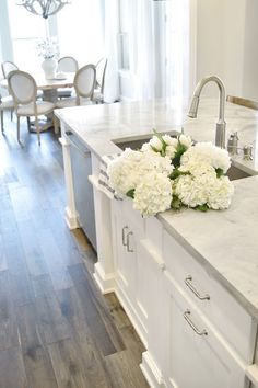 Supreme Kitchen Remodeling Choosing Your New Kitchen Countertops Ideas. Mind Blowing Kitchen Remodeling Choosing Your New Kitchen Countertops Ideas. White Kitchen Cabinets, Kitchen Cabinet Design, Diy Kitchen, Kitchen Decor, Kitchen Ideas, Kitchen White, Kitchen Cupboard, White Kitchens, Kitchen Sink