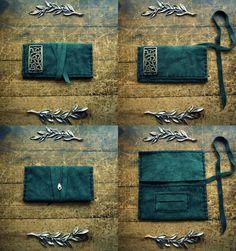 Handcrafted leather tobacco case Buy online:http://www.individual.gr/p.CHeiropoiiti-dermatini-thiki-kapnoy-me-metalliko-skalisto-stoicheio.790206.html