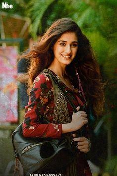 Disha Patani Most Beautiful Indian Actress, Beautiful Actresses, Bollywood Celebrities, Bollywood Actress, Indian Celebrities, Disha Patani Photoshoot, Disha Patni, Stylish Girl Pic, Beautiful Girl Image