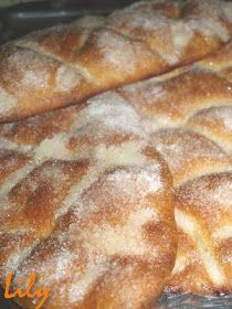 Deliciós Mos: COCA de FORNER I (de PANADERO) Mexican Sweet Breads, Donuts, Sweet Little Things, Pan Dulce, Sweet Recipes, Tapas, Food And Drink, Chocolate, Cooking