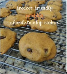 Pumpkinpalooza: Chocolate Chip Cookies #pumpkin #cookies #chocolate #fall #freezerfriendly