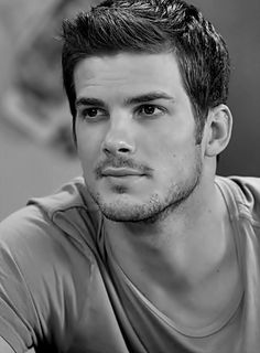 Ricky...a mix between a young Ashton Kutcher and pure hotness.