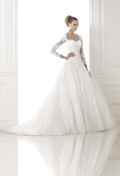 Pronovias wedding dresses exemplify elegance and femininity. Pronovias wedding dresses are traditional in feel, yet fashion-forward in style. Pronovias brides want to express their personalities and individual sense of style in their wedding dresses. Pronovias Wedding Dress, Wedding Dress Organza, Wedding Dress Train, Tulle Ball Gown, Cheap Wedding Dress, Tulle Dress, Ball Gowns, Gown Wedding, Tulle Wedding