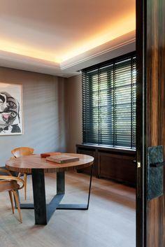 Copahome raamdecoratie houten jaloezieën zwart / La décoration de fenêtre. Stores en bois noir