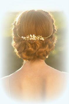 Bridal Hair Vine, Wedding Tiara - Wedding Hair Accessories by Ayajewellery, so pretty! love the skinny straps and the braided low hair and the pearls and gold on the back Wedding Hair And Makeup, Wedding Hair Accessories, Hair Makeup, Wedding Updo, Headpiece Wedding, Gypsy Headpiece, Wedding Jewelry, Wedding Gold, Head Accessories