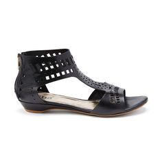 Stitch fix shoes!!!! Black sandals. Stitch fix spring/summer 2017 inspiration. Ask your stylist for something like this in you fix. Click on the picture to fill out your style profile. Enjoy! #sponsored