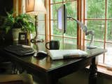 Home office design tips for create beautiful and useful workspaces. Home Office ( Workplace) Design Ideas and Tips Home Office Space, Home Office Furniture, Home Office Decor, Office Ideas, Small Office, Zen Office, Office Style, Cozy Office, Office Moving