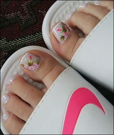 180 eye catching toe nail art ideas you must try page 18 | myblogika.com