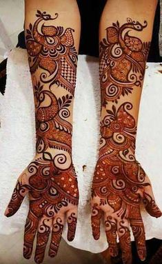 Find the best Pakistani bridal mehndi designs with images of beautiful patterns for full hands and arms, one-sided, gol tikka style, and feet mehndi designs. Easy Mehndi Designs, Latest Mehndi Designs, Rajasthani Mehndi Designs, Mehndi Designs For Girls, Mehndi Designs For Beginners, Mehndi Design Photos, Beautiful Mehndi Design, Dulhan Mehndi Designs, Mehandi Designs
