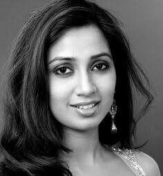 Beautiful Arab Women, World Most Beautiful Woman, Shreya Ghoshal Hot, Twitter Profile Picture, Elegant Woman, Woman Face, Indian Beauty, Style Guides, Bollywood