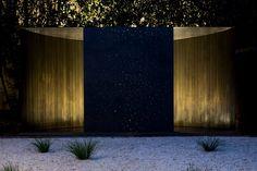Facade Wall wash Uplight Mood Modern Minimalist  Crescent House / Andrew Burns Architect