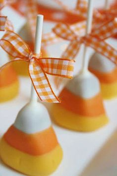 Adorable Candy Corn Cake Pops! Plus, lots of more #Halloween party plannning ideas