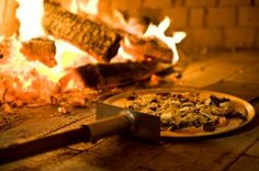 Pizza nights every Friday night at Woodstock.. $35 for a little starter, lots of pizzas and something sweet to finish.. Wood Oven Pizza, Woodstock, Something Sweet, Italian Style, Vegetables, Places, Friday, Wine, Night
