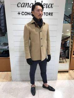 ビジネススタイル ベージュのコートが可愛らしくなり過ぎないように小物はブラック系でシックにまとめました。