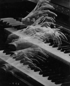 Ernest Bachrach - Ethel Smith on We Heart It Gray Aesthetic, Black Aesthetic Wallpaper, Music Aesthetic, Black And White Aesthetic, Aesthetic Photo, Aesthetic Pictures, Aesthetic Wallpapers, Black And White Photo Wall, Black N White