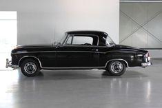 Deze Mercedes-Benz 220S Coupe Ponton uit 1959 wordt uit een verzameling in Duitsland te koop aangeboden. De auto heeft sinds 1980 onderdeel uitgemaakt van..