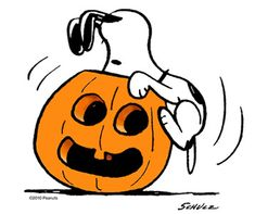 This Snoopy Halloween t-shirt features the beagle nosing around the inside of a pumpkin. The shirt is fitting for fans of Snoopy, Halloween and The Great Pumpkin. Charlie Brown Halloween, Peanuts Halloween, Charlie Brown Y Snoopy, Great Pumpkin Charlie Brown, It's The Great Pumpkin, Snoopy Love, Snoopy And Woodstock, Happy Halloween, Belle Halloween