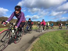 womens cycling in spring
