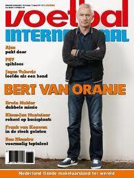 Voetbal International is een van de tijdschriften die ik vroeger altijd las, maar tegenwoordig lees ik het allemaal op mijn mobiel.