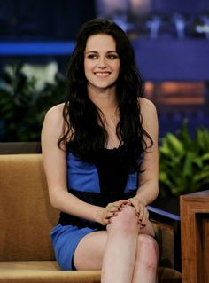 Kristen Stewart-actually smiling and wearing something cute!