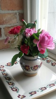 Pretty flowers in Nicholas Mosse honeypot