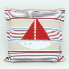 Kissenhülle Segelboot quergestreift