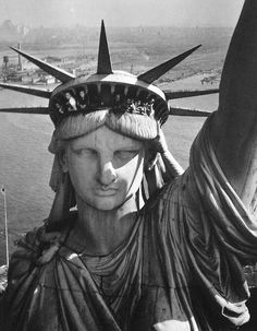 Margaret Bourke-White - Helicopter View of New York, 1963. S)