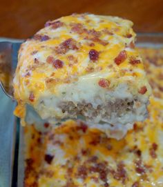 Cheese on half for Brian, gluten free crumbs and egg substitute***Loaded Potato Meatloaf Casserole Recipe. Delicious meatloaf topped with garlicky mashed potatoes, melted cheese and bacon. Casserole Dishes, Casserole Recipes, Meat Recipes, Cooking Recipes, Budget Cooking, Hamburger Recipes, Budget Meals, Chicken Recipes, Beef Dishes