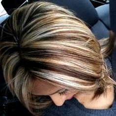 Brunette hair with blonde highlights. I Love Blonde highlights on Brown hair! Short Brown Hair, Short Hair Cuts, Short Hair Styles, Hair Color And Cut, Color For Short Hair, Great Hair, Awesome Hair, Bob Hairstyles, Bob Haircuts