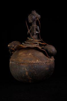 Calabash REGIONCongo PERIOD1930 circa ETHNIC GROUPLuba HEIGHT38 cm