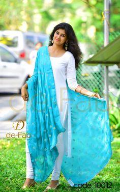 Latest Salwar Kameez Designs, Churidar Designs, Kurta Designs Women, Kurti Neck Designs, Dress Neck Designs, Kurti Designs Party Wear, Kalamkari Dresses, Kids Dress Patterns, Indian Designer Suits