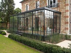 Installation der Veranda: Lieferung und Installation in Paris und IDF - kareem Orangerie Extension, Extension Veranda, Glass Extension, Cheap Greenhouse, Backyard Greenhouse, Greenhouse Plans, Greenhouse Wedding, Portable Greenhouse, Cheap Pergola