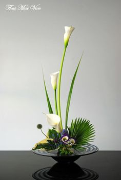 Find this Pin and more on Ikebana Flower Art – Dekoration -. Contemporary Flower Arrangements, Tropical Flower Arrangements, Creative Flower Arrangements, Flower Arrangement Designs, Church Flower Arrangements, Church Flowers, Beautiful Flower Arrangements, Pretty Flowers, Flowers Garden