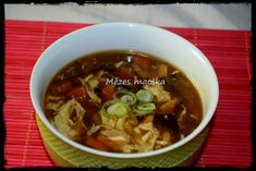 Csípős-savanyú kínai leves - Chinese hot and sour soup Hot And Sour Soup, Chili, Cooking Recipes, Chinese, Lunch, Beef, Foods, Drinks, Baking Recipes