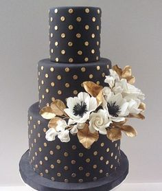 WOW! What a unique wedding cake in black.