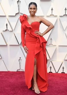 Jennifer Hudson In Elie Saab Haute Couture - 2019 Oscars - Red Carpet Fashion Awards Elie Saab Couture, Dior Haute Couture, Jennifer Hudson, Jennifer Lopez, Lisa Bonet, Amy Poehler, Helen Mirren, Christian Siriano, Celebrity Red Carpet