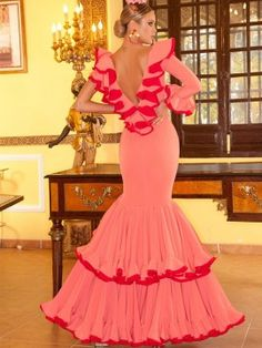 Spanish Dress, Spanish Dancer, Spanish Woman, Flamenco Costume, Flamenco Dancers, Muumuu, Dance Dresses, The Dress, Tutu