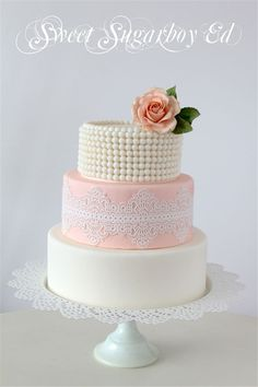 Create a pale pastel wedding that enchants your guests and suggests the first buds of spring. I've handpicked 13 lovely pastel colored wedding cakes for today's Birthday Cake For Women Elegant, Birthday Cakes For Women, Elegant Wedding Cakes, Beautiful Cake Pictures, Beautiful Cakes, Amazing Cakes, Pastel Colored Wedding Cakes, Sugar Lace, Wedding Cake Inspiration